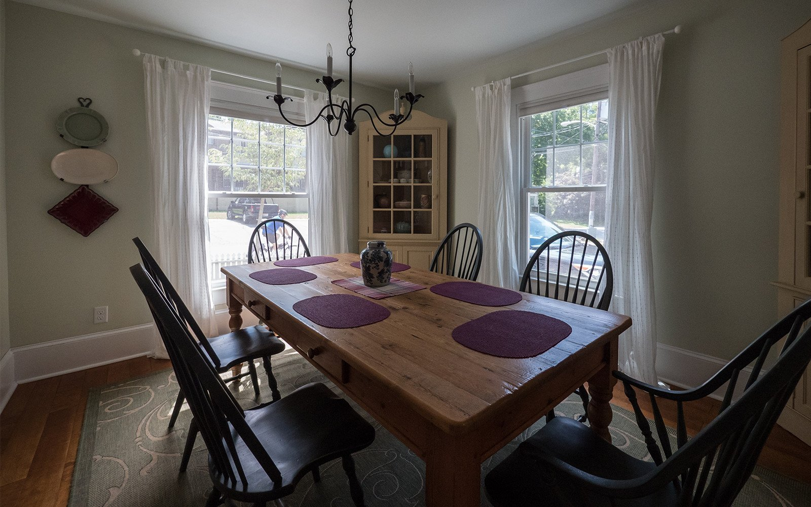 Dining-room-at-Oaklawn-house
