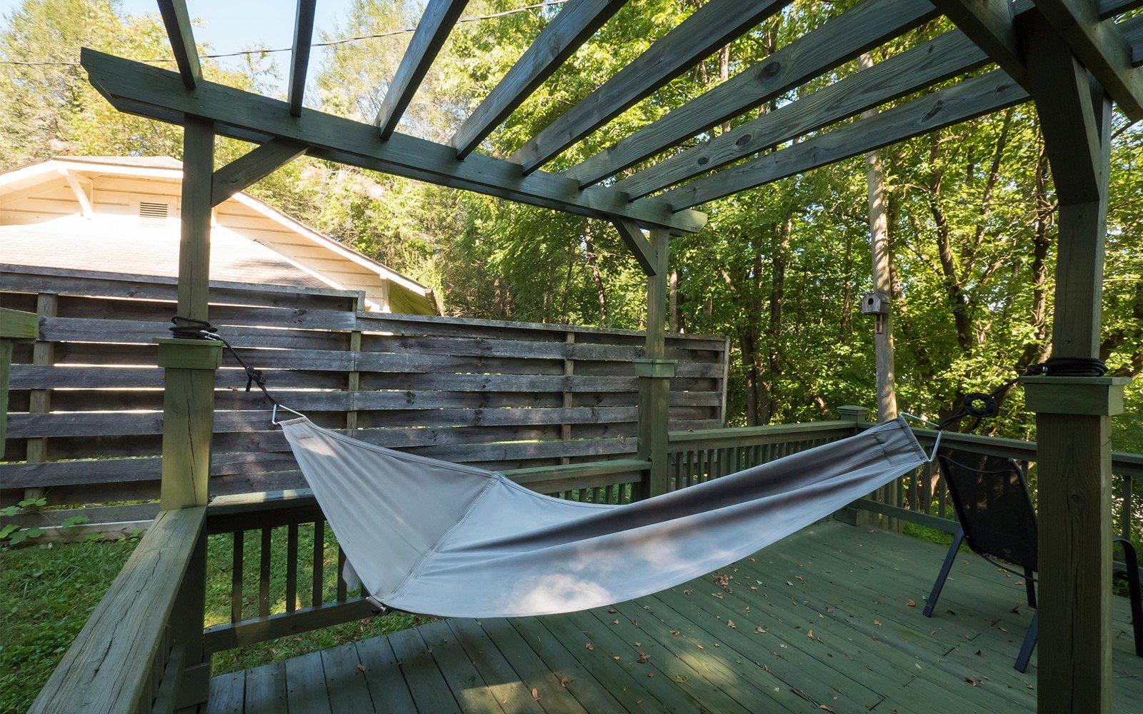 Bungalow-deck-hammock