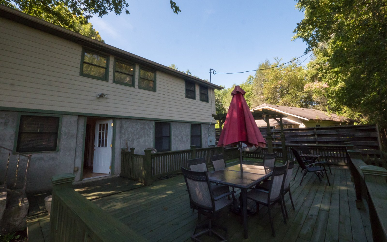 Bungalow-outdoor-space