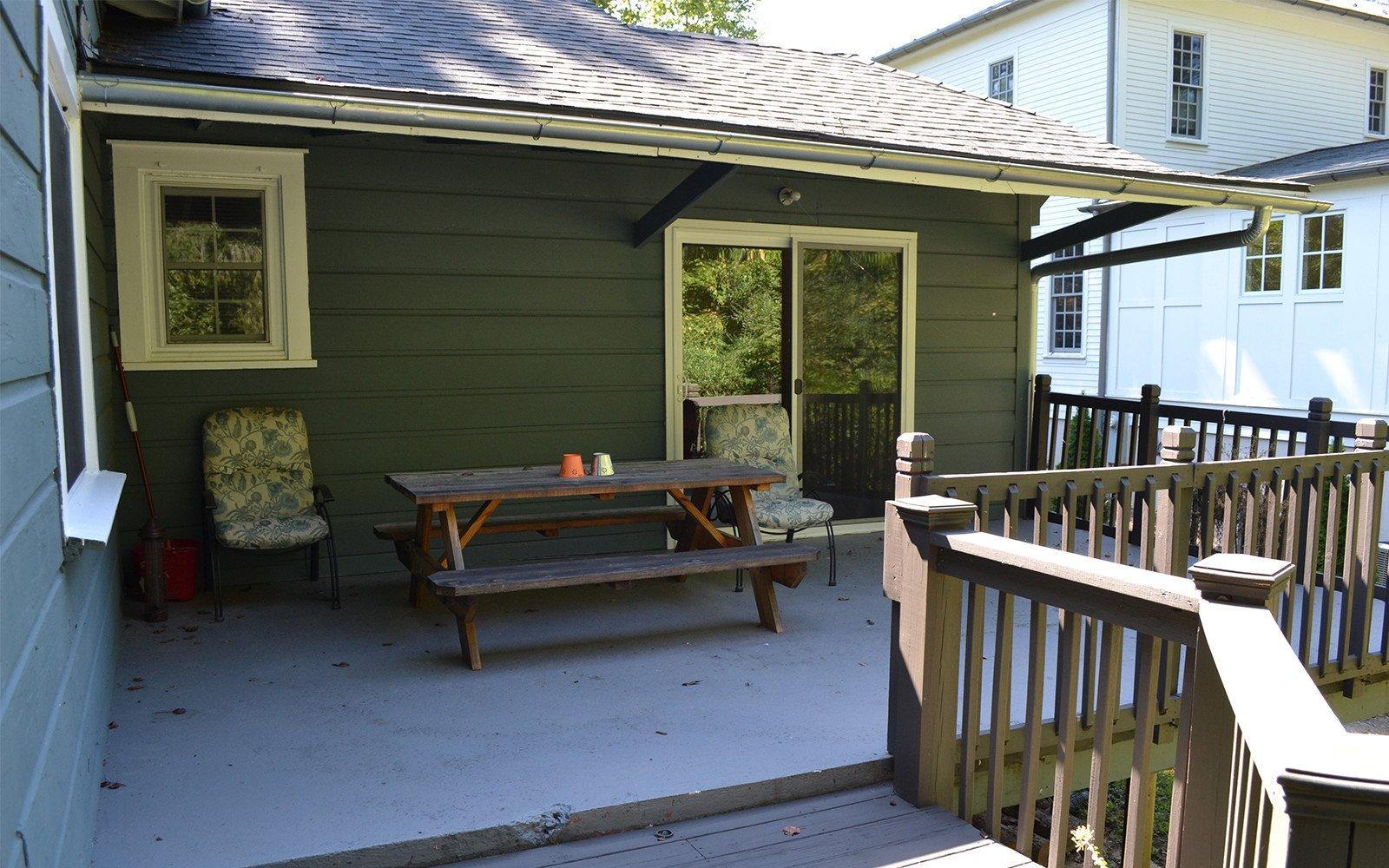 Franklin-Street-house-deck-area