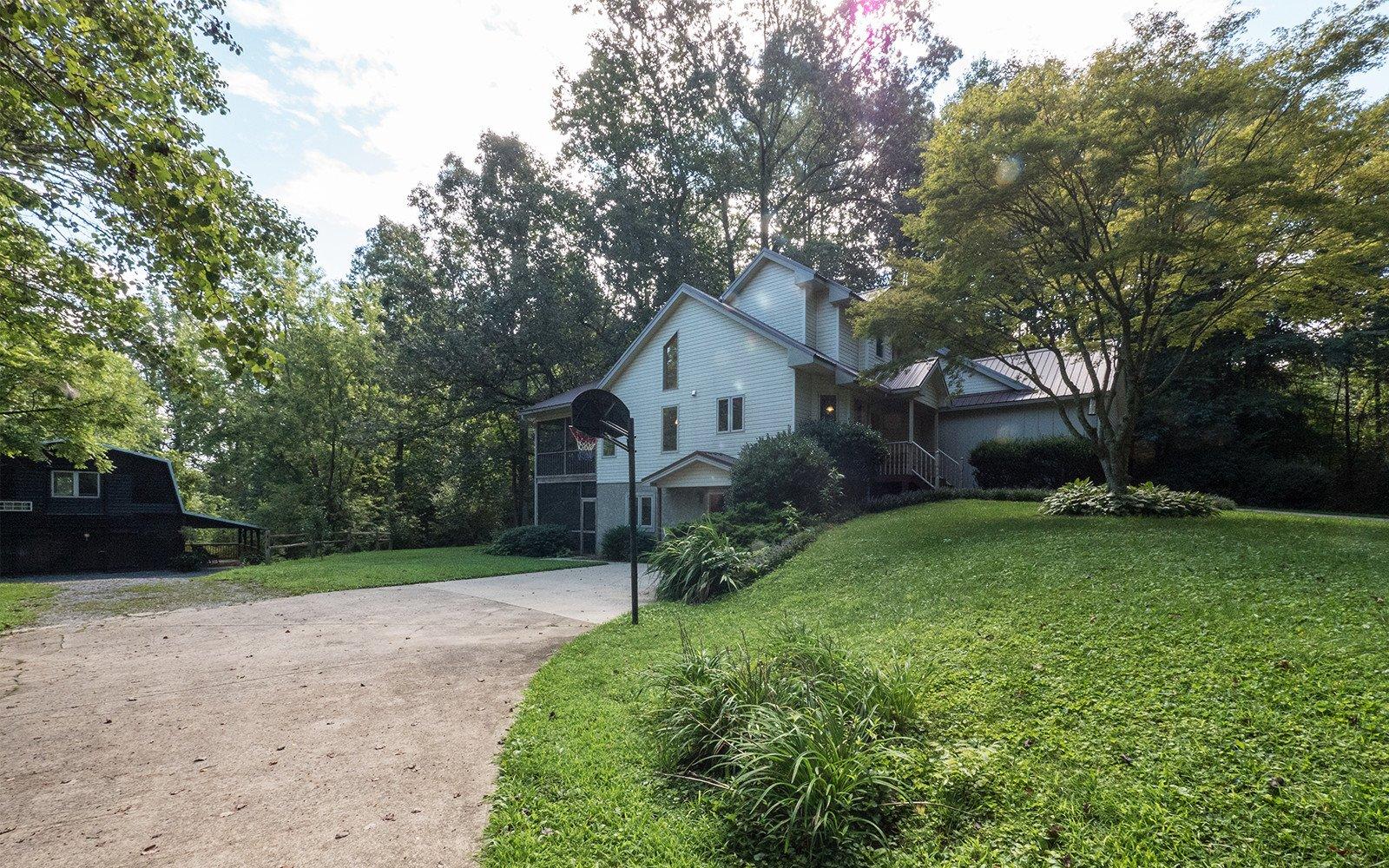 Hilt-Street-house-and-Barn-Apartment